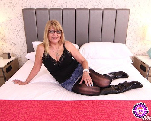 MomPov - Audre - Stripper GILF needs some dick  (HD/720p/1.82 GB)