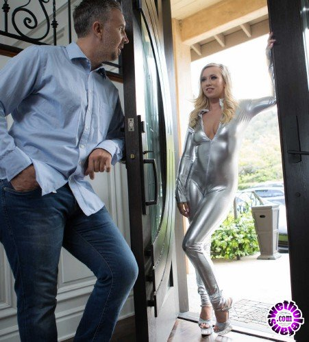 BrazzersExxtra/Brazzers - Bailey Brooke - Fucking Her Uncanny Valley (FullHD/1.30 GB)