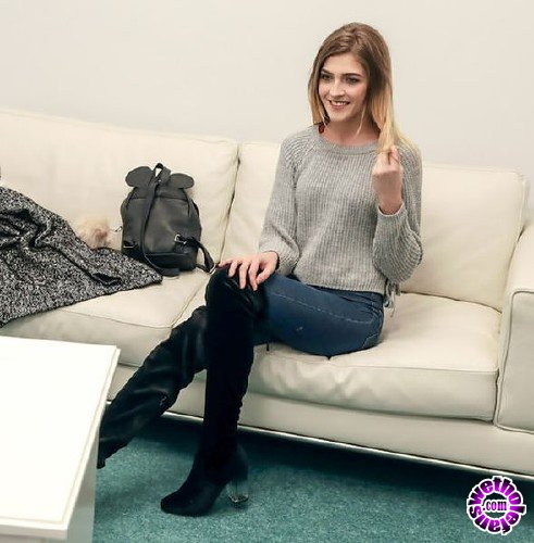 FakehubOriginals/FakeAgent - Rhiannon Ryder - Skinny petite model loves big cock (FullHD/1.36GB)