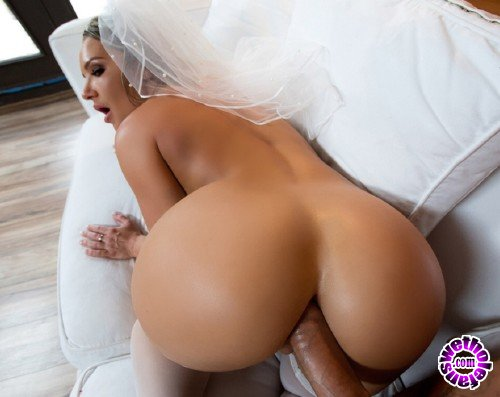 BigWetButts/Brazzers - Cali Carter - Big Wet Bridal Butt  (HD/720p/775 MB)