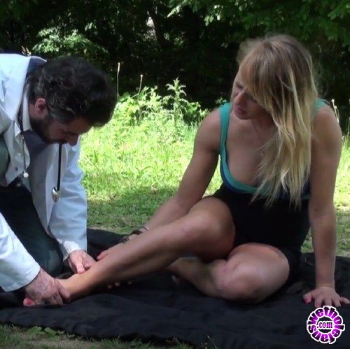 NudeinFrance - Cecilia Lacroix - Hot blond fucked in the woods by her doctor (HD/720p/804 MB)