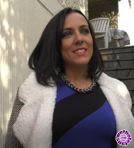 NudeinFrance - Mya Lorenn - First meeting with Mya brunette exhib and naughty (HD/720p/841 MB)