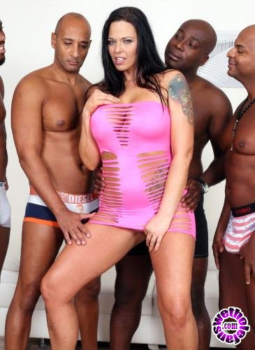 LegalPorno - Simony Diamond - Busty Bitch Simony Diamond Comes To Receive Black Cocks In All Her Holes IV190 (HD/720p/1.84 GB)