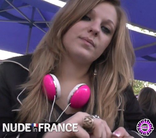 NudeinFrance - Jess - First time experience for our pretty student Jessica in a club for swingers (HD/720p/918 MB)