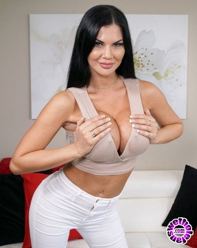 BangRealMilfs/Bang - Jasmine Jae - Jasmine Jae Is A Uk Beauty That Wants To Experience American Dick (HD/1.14GB)