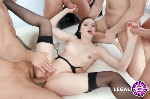 LegalPorno - Kiara Gold - Fucking Wet With Kiara Gold Balls Deep Anal, DAP, Gapes, Pee Drink, Swallow GIO618 (FullHD/1080p/5.64 GB)