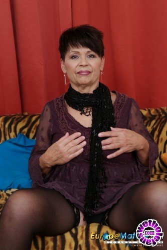 EuropeMature/OldNanny - Libi - 71 years old lady masturbated with dildo (HD/720p/461 MB)
