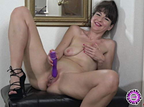 AllOver30 - Ivana Slew -  Ladies With Toys (FullHD/1080p/1.06 GB)