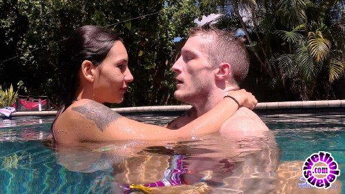 SexUnderWater - Kitty Carrera - The Kitty is a Tiger (FullHD/1080p/933 MB)