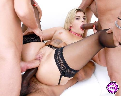 LegalPorno - Clementine Marceau - Clementine Marceau 3 On 1 Balls Deep DP And DPP With Three Monster Cocks SZ2065 (HD/720p/1.87 GB)