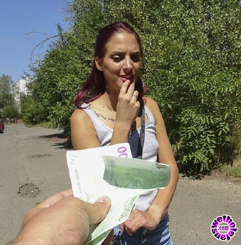 PublicAgent/FakeHub - Lyen Parker - Woodland fuck with Hungarian hottie (FullHD/1.32GB)