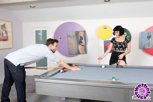 Family - Alex Legend, Olive Glass - A Fun Game of Strip Pool (HD/720p/942 MB)