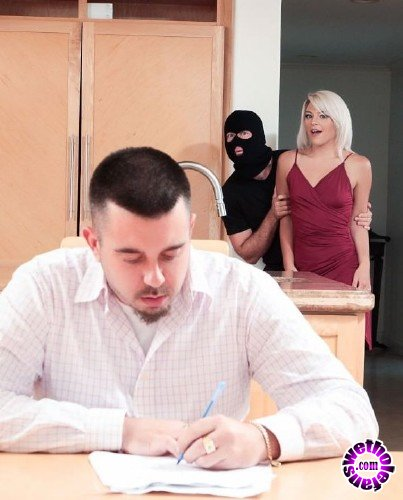 Realitykings - Rhonda Rhound - Robber Banged My Girlfriend (FullHD/1.14GB/HD/562MB)