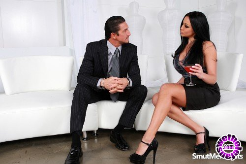 SmutMerchants - Audrey Bitoni - Big Tit Icon Audrey Fucks Like A Legend (HD/720p/736 MB)