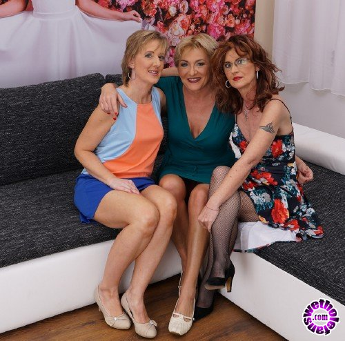 Mature - Glynis 45, Irena W. 53, Jazmin 45 - 3 mature lesbians sharing their pussies (FullHD/1080p/1.59 GB)