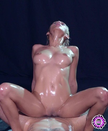 Babes - Veronica Leal - Wet Series: Slick (FullHD/1.45GB)
