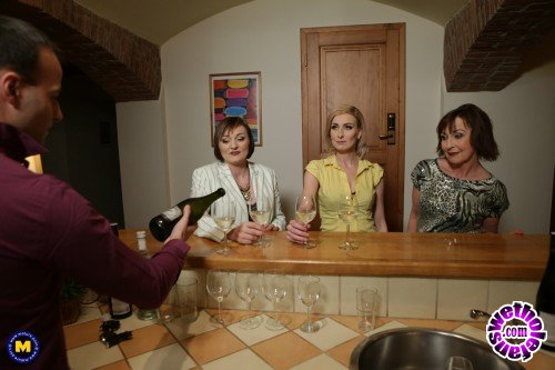 Mature - Danny 63, Jara C. 38, Kaylea 35 - This Bartender gets a special tip from these three naughty mature ladies (FullHD/1080p/2.25 GB)