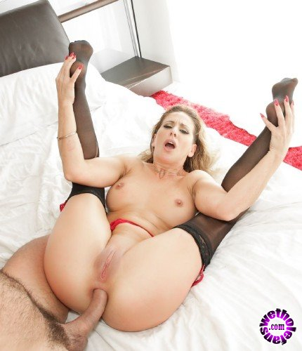 EvilAngel - Cherie DeVille - MILF Cheries Gaping Anal/A2M Reality (FullHD/1.9GB)