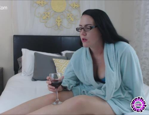 Clips4Sale - Ivy Starshyne - Mom Needs A Reminder (FullHD/1080p/594 MB)