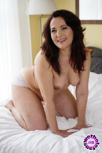 21Sextury - Red Mary - Older Is Better (FullHD/1080p/1.14 GB)