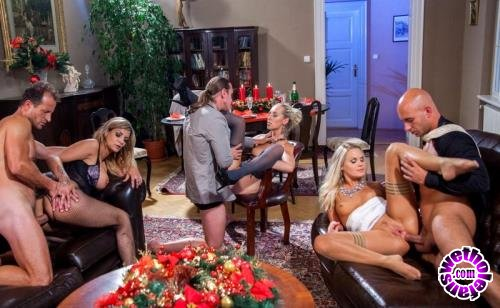 Private - Barra Brass, Klarisa Leone, Jenny Simons - Cum Home For Christmas (FullHD/1080p/630 MB)