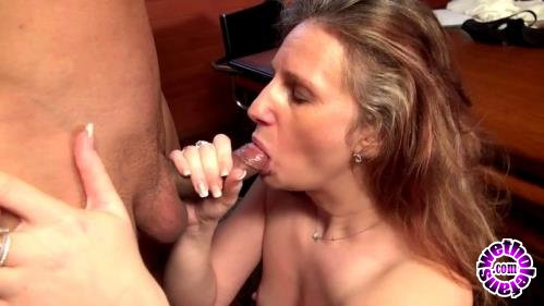 JacquieEtMichelTV - Christina - Une maman timide mais anale (FullHD/1080p/603 MB)