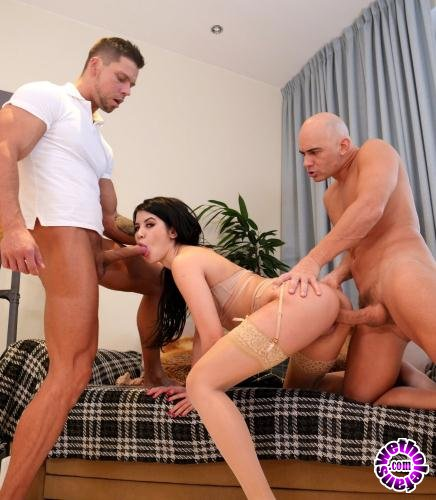 EvilAngel.com - Lady Dee - Squirting Dees Gaping DP Threesome (2019/FullHD/2.75GB)