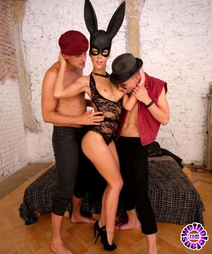 EvilAngel.com - Alexis Crystal - Alexis Double Penetration Threesome (2019/FullHD/2.43GB)
