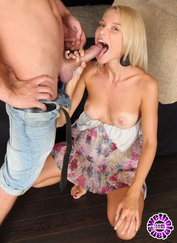 ClubSevenTeen - Cindy P aka Summer Breeze - Gorgeous Blonde Gets Fucked In The Ass (HD/720p/1.12 GB)
