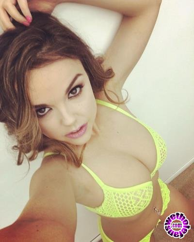 Clips4Sale - Dillion Harper - From Father Figure Vol 5 (HD/720p/616 MB)