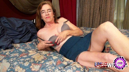 OldNanny/UsaWives - Carmen - 59 year old US model masturbating her hairy pussy (FullHD/1080p/1.31 GB)
