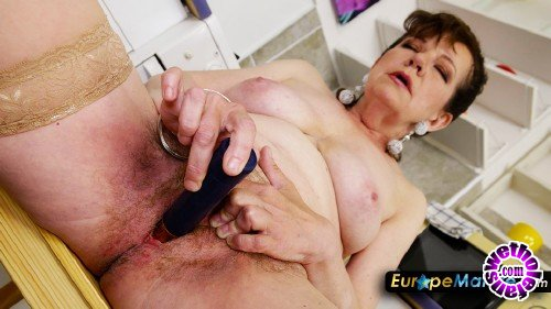 OldNanny/EuropeMature - HanaR - Woman with pantyhose fingering her hairy pussy (FullHD/1080p/1.52 GB)