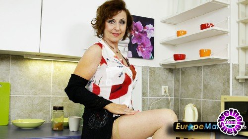 OldNanny/EuropeMature - DanaB - Sexy women 61 years of age stripping in pantyhose (FullHD/1080p/1.50 GB)