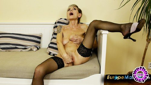 OldNanny/EuropeMature - IvaB - Wonderful old lady in panyhose fingering her pussy (FullHD/1080p/1.62 GB)