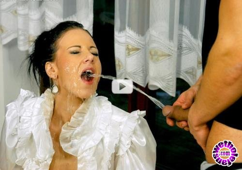 PissingInAction/Tainster - Nathaly Cherie - Pisser On The Prowl (HD/720p/620 MB)