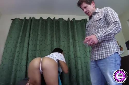 Clips4Sale - Various Actris - Daddy Taps Young Daughter (HD/720p/289 MB)