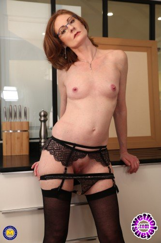 Mature - Beatrice (EU) (38) - Horny French mature lady loves getting an anal fuck hard and long (FullHD/1080p/1.37 GB)