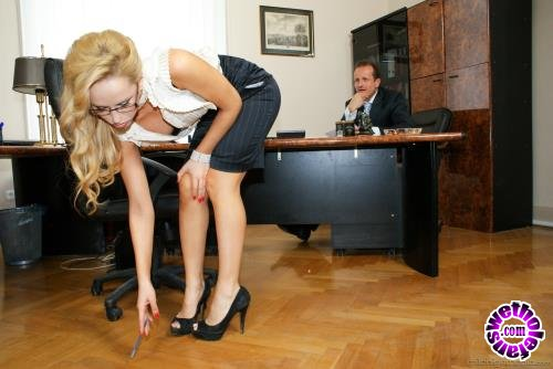 21Sextury - Aleska Diamond - Sexy Secretary Screwed (FullHD/1080p/1.14 GB)