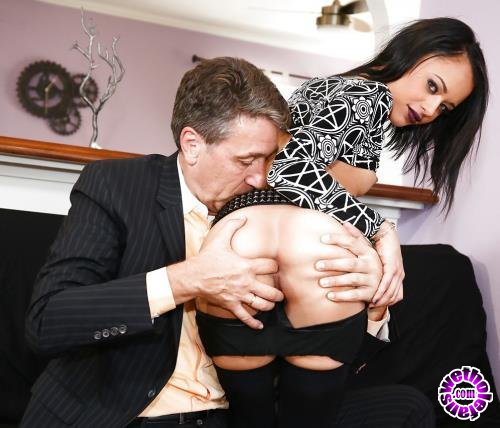 BurningAngel - Holly Hendrix - Daddy Fuck My Ass (FullHD/1080p/1.58 GB)
