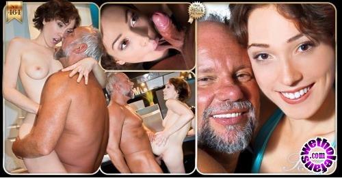Oldje - Lily Labeau - Translate Sex for an Old Man (HD/720p/929 MB)
