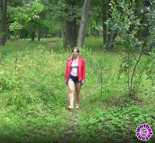 PornHubPremium - Lita Phoenix, Camilla Moon - Creampie in Young Pussy on a Picnic in the Woods (FullHD/1080p/743 MB)
