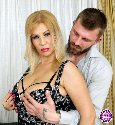 Mature - Patricia Sweet (38) - Big breasted MILF Patrica Sweet needs a hard cock in her pussy (FullHD/1080p/2.45 GB)
