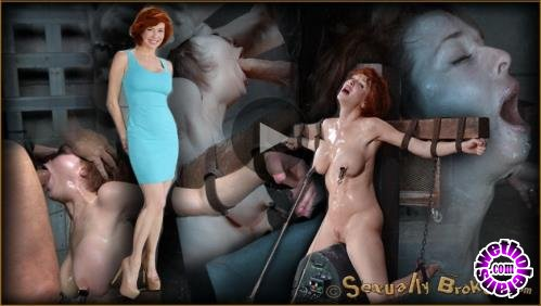 SexuallyBroken - Veronica Avluv - Stunning busty MILF Veronica Avluv does brutal drooling deepthroat while crucified on a sybain! (HD/720p/926 MB)