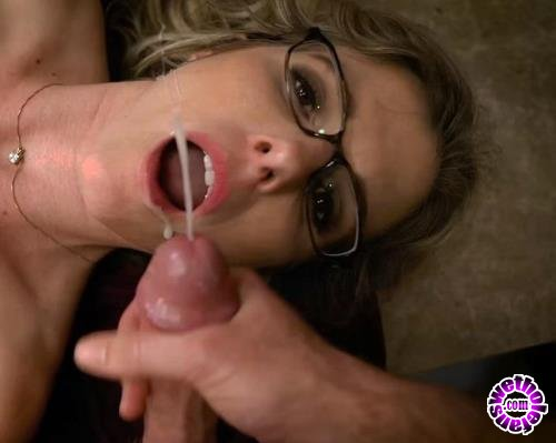 Clips4Sale - Cory Chase - Mommy Helps after I take Boner Pills (HD/720p/128 MB)