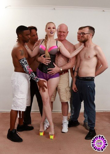 GoldenSlut - Delerious Hunter - Delerious Takes Charge Of A Scorching Gang Bang (HD/720p/2.03 GB)