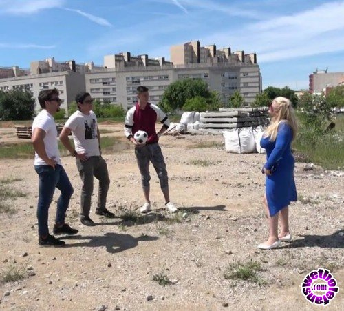 Mature - Musa Libertina (EU) (54) - Mature Musa Libertina gets fucked by four toy boys at once (FullHD/1080p/2.27 GB)